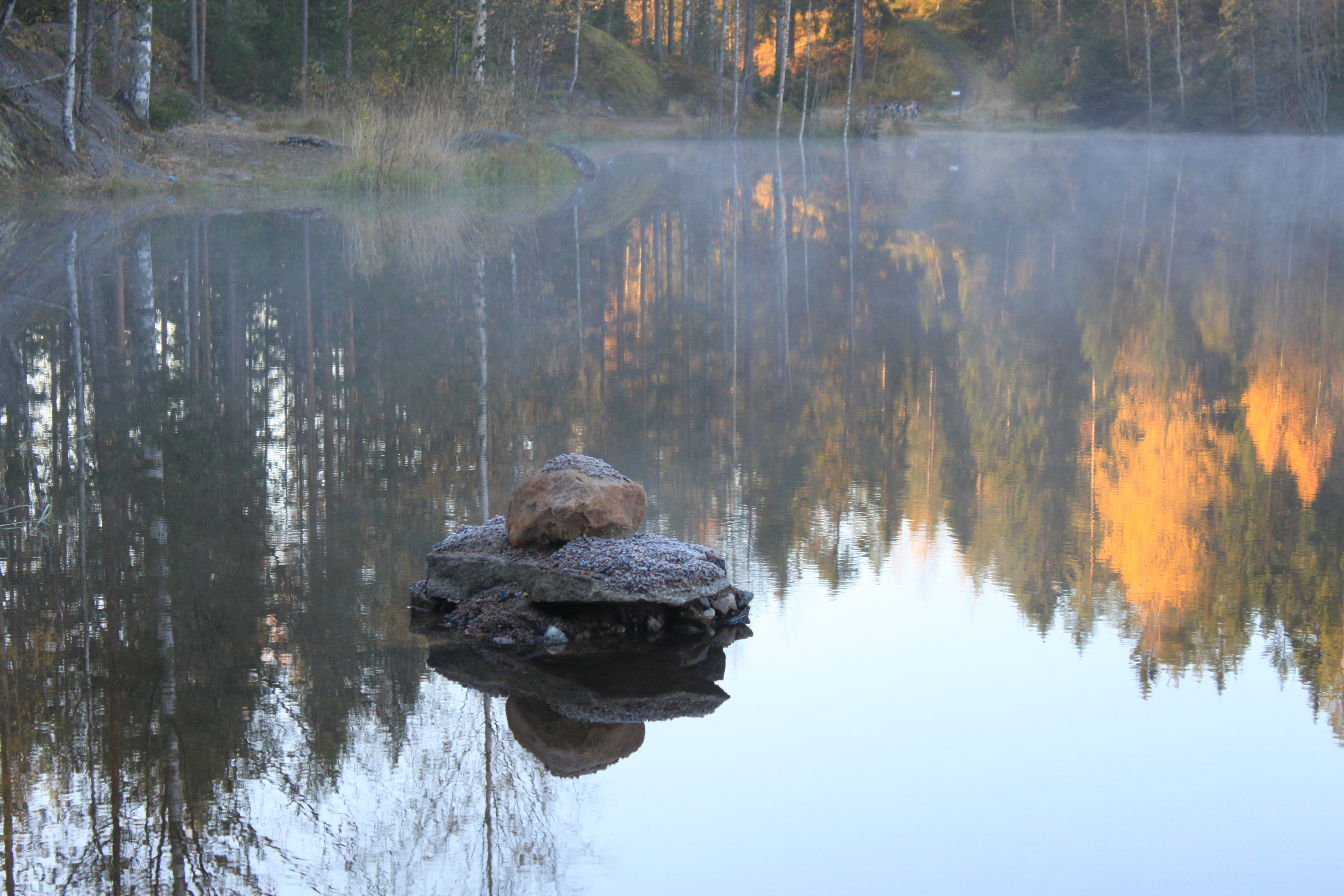 kivet-vuorilammessa
